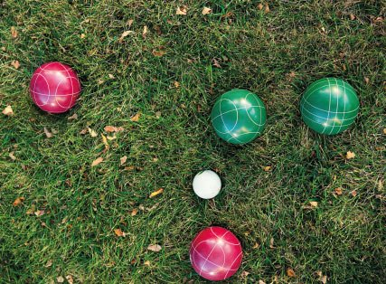 Lawn bowls on grass. A game on the grass is part of the active lifestyle at Pavilions Blackburn Lake